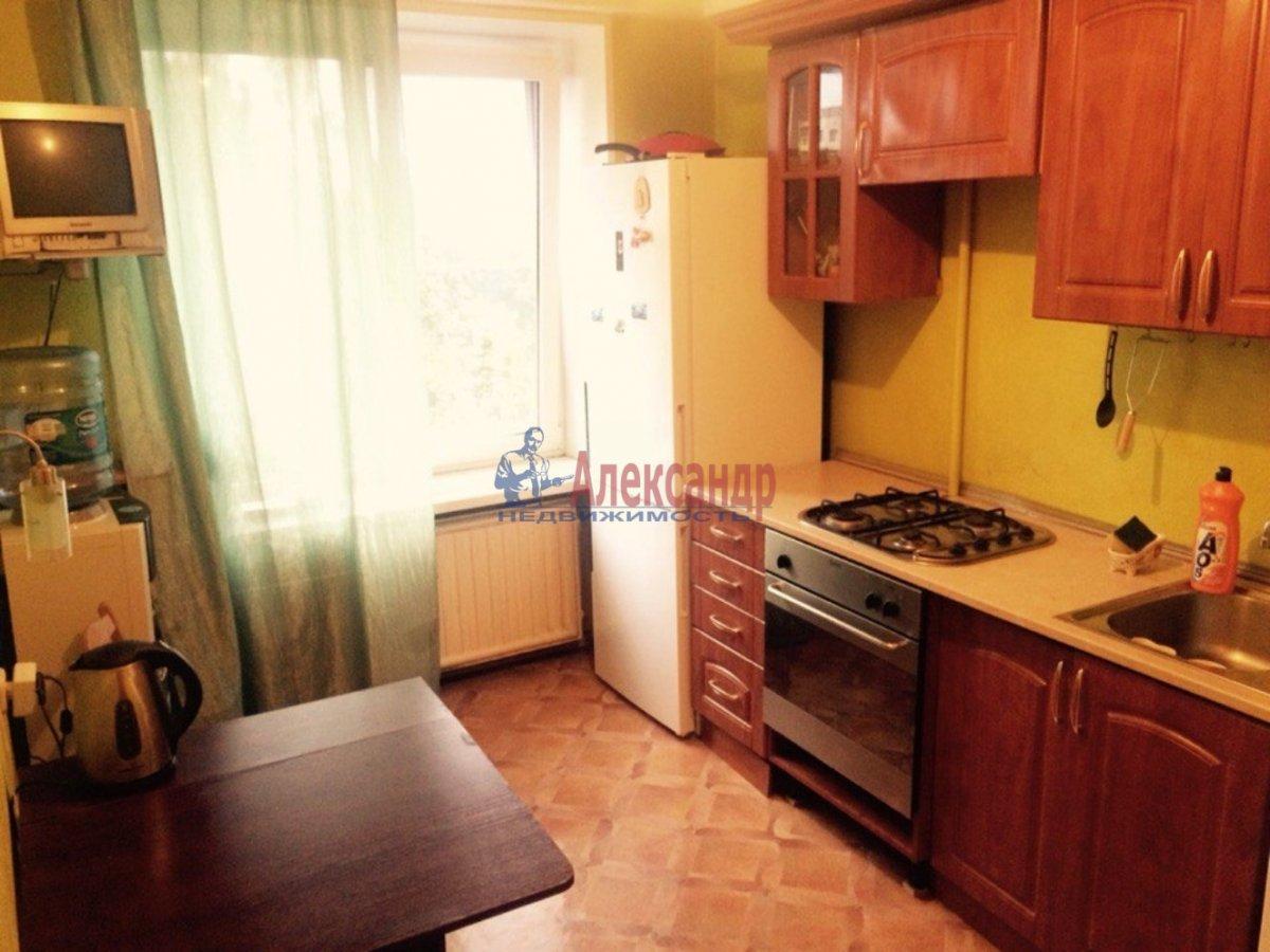 1-комнатная квартира (32м2) в аренду по адресу Вавиловых ул., 4— фото 1 из 3
