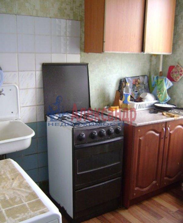 1-комнатная квартира (36м2) в аренду по адресу Подводника Кузьмина ул., 23— фото 2 из 6