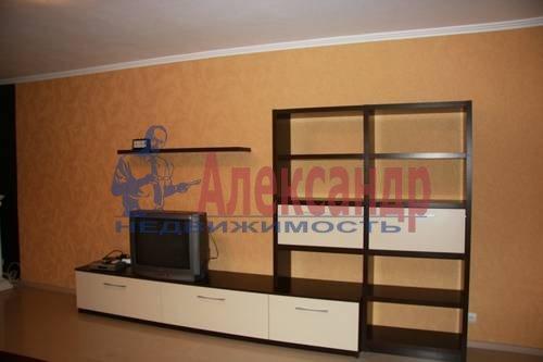 2-комнатная квартира (63м2) в аренду по адресу Пятилеток пр., 17— фото 4 из 6
