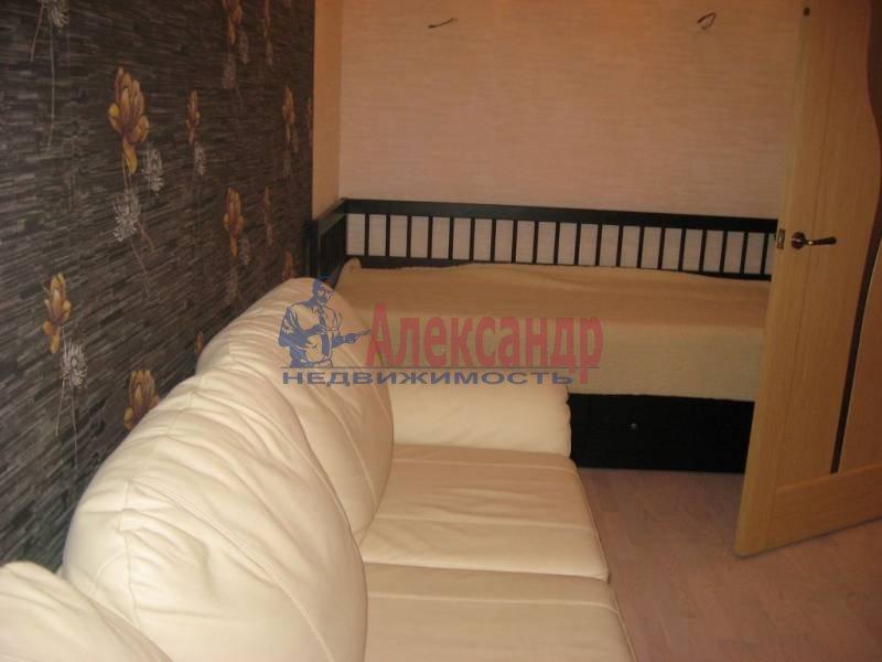 1-комнатная квартира (32м2) в аренду по адресу Космонавтов просп., 61— фото 2 из 3