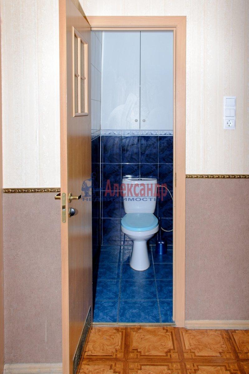1-комнатная квартира (40м2) в аренду по адресу Оборонная ул., 22— фото 4 из 7