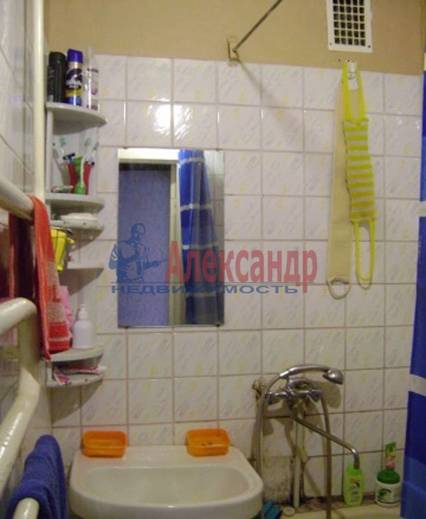1-комнатная квартира (36м2) в аренду по адресу Подводника Кузьмина ул., 23— фото 3 из 6