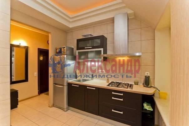 3-комнатная квартира (113м2) в аренду по адресу Кирочная ул., 16— фото 4 из 11