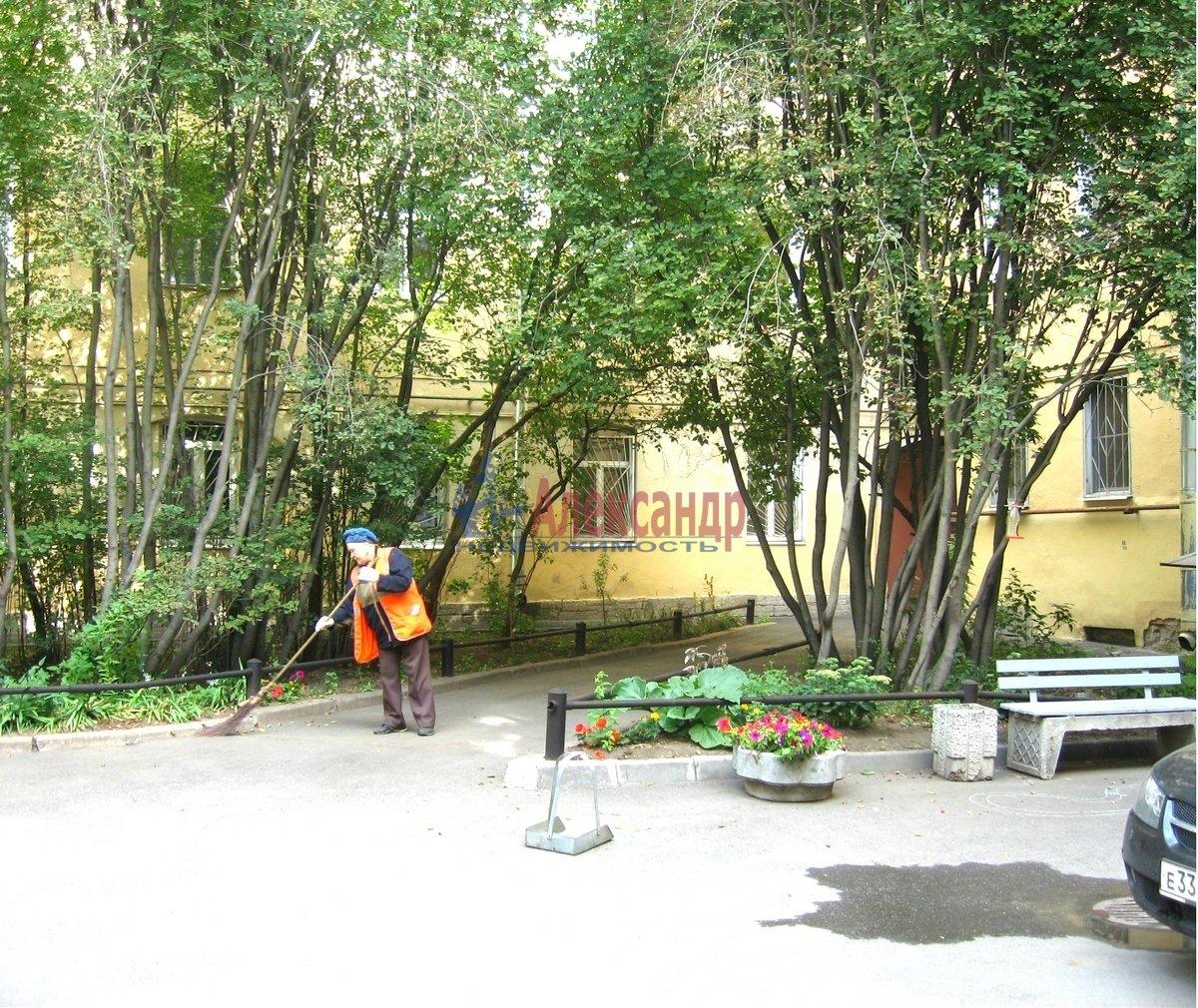 2-комнатная квартира (67м2) в аренду по адресу Гражданская ул., 23— фото 4 из 15