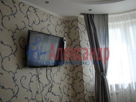 2-комнатная квартира (64м2) в аренду по адресу Ушинского ул., 2— фото 1 из 8