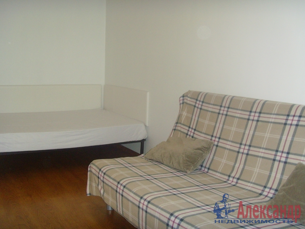 1-комнатная квартира (40м2) в аренду по адресу Земледельческая ул., 5— фото 2 из 5