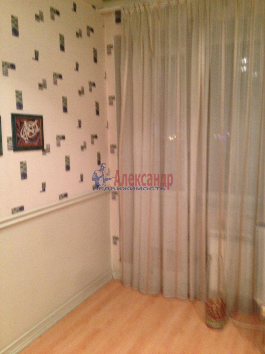 1-комнатная квартира (48м2) в аренду по адресу Галстяна ул., 1— фото 2 из 16