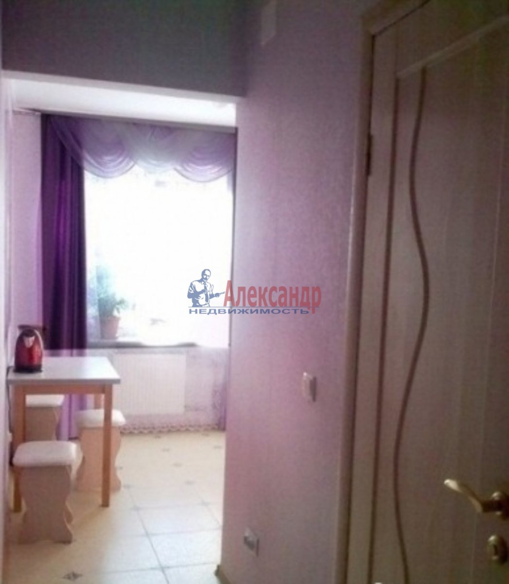 1-комнатная квартира (30м2) в аренду по адресу Спасский пер., 4— фото 2 из 4