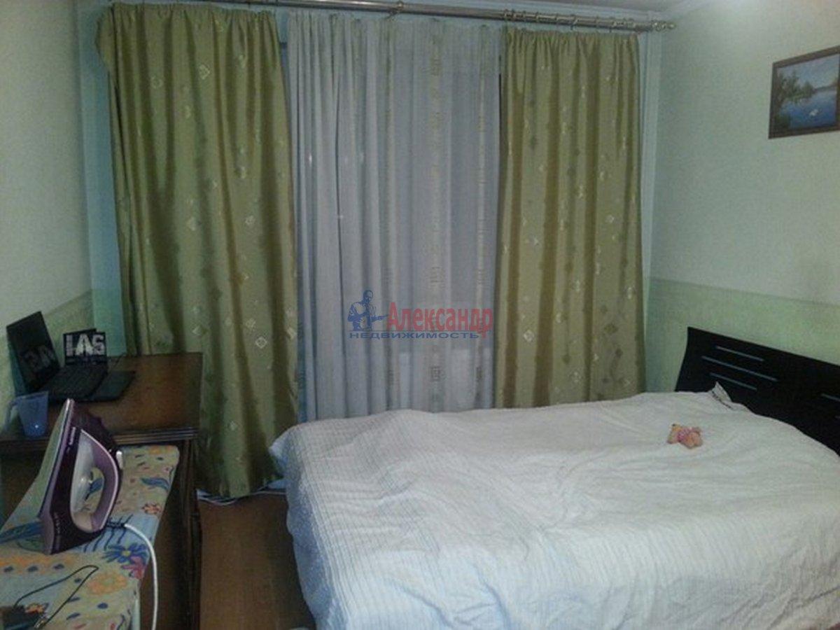 Комната в 3-комнатной квартире (79м2) в аренду по адресу Автовская ул., 17— фото 1 из 4