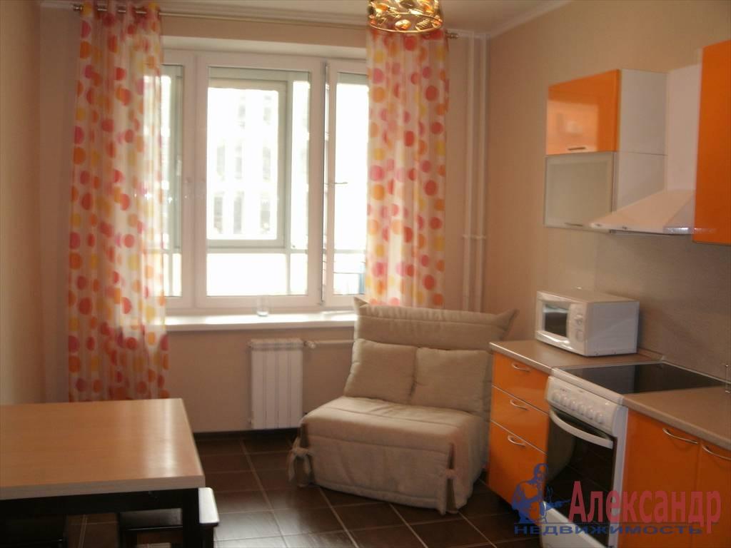 1-комнатная квартира (43м2) в аренду по адресу Новаторов бул., 8— фото 2 из 10