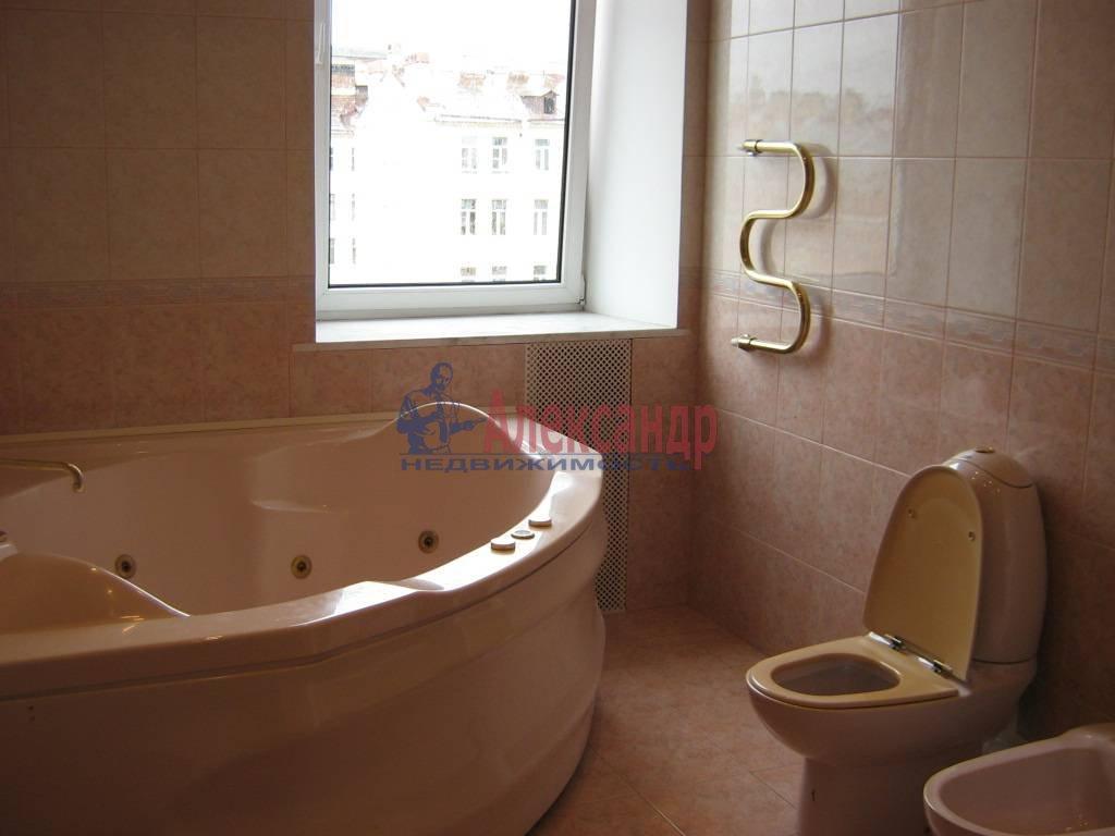 4-комнатная квартира (110м2) в аренду по адресу Суворовский пр., 51— фото 2 из 5