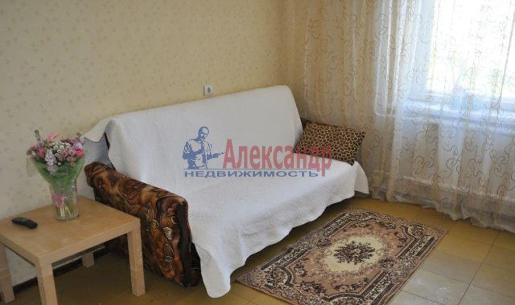 1-комнатная квартира (33м2) в аренду по адресу Купчинская ул., 21— фото 2 из 3
