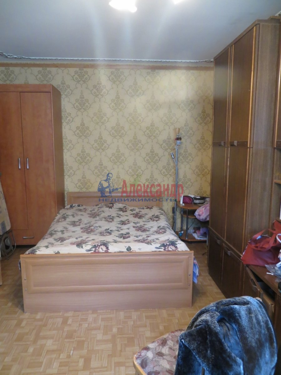 2-комнатная квартира (60м2) в аренду по адресу Маршала Блюхера пр., 48— фото 2 из 4