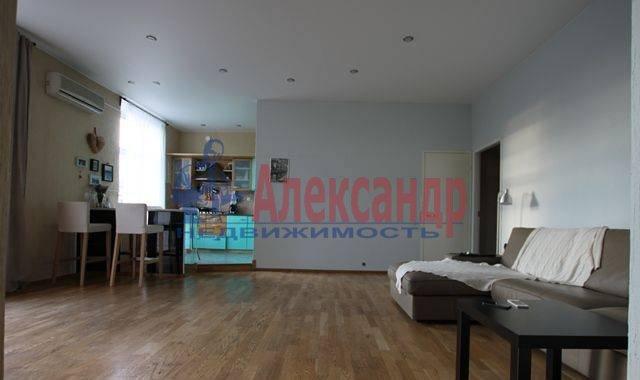 2-комнатная квартира (73м2) в аренду по адресу Большой Сампсониевский пр., 92— фото 1 из 2