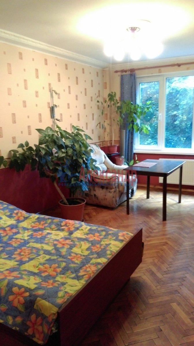 2-комнатная квартира (46м2) в аренду по адресу Большевиков пр., 51— фото 4 из 10