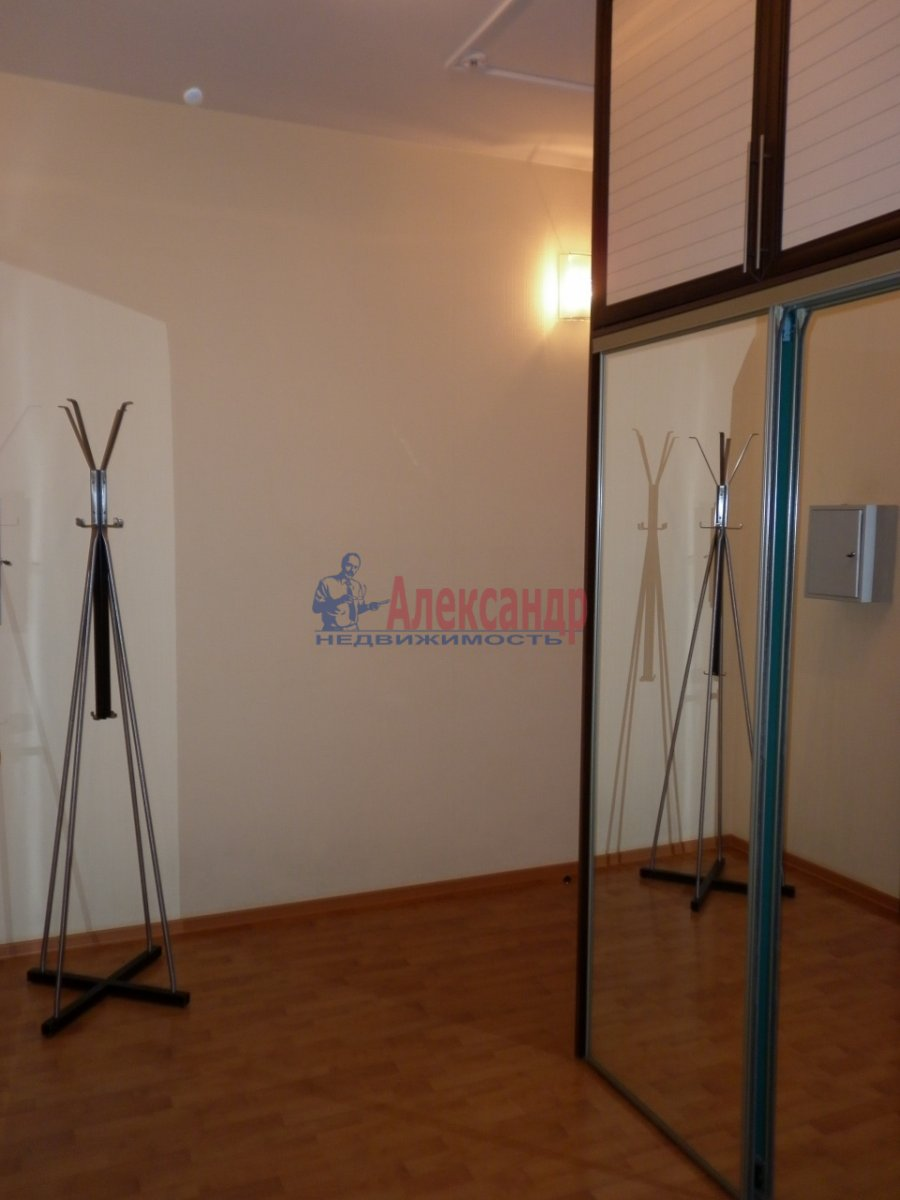 2-комнатная квартира (80м2) в аренду по адресу Асафьева ул., 5— фото 8 из 11
