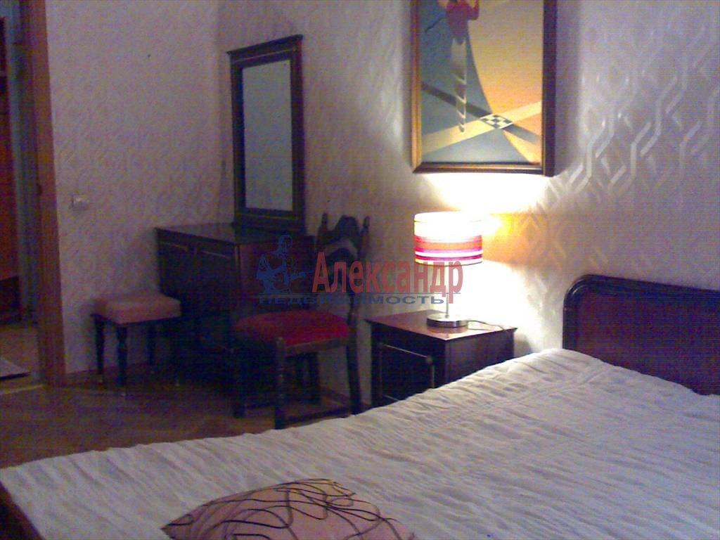 3-комнатная квартира (75м2) в аренду по адресу Обводного канала наб., 53— фото 3 из 6