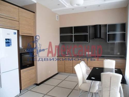 2-комнатная квартира (67м2) в аренду по адресу Космонавтов просп., 37— фото 2 из 7