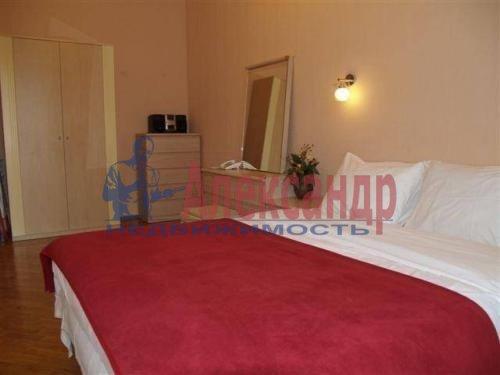 2-комнатная квартира (64м2) в аренду по адресу Тореза пр., 44— фото 4 из 8