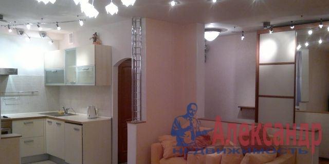 1-комнатная квартира (41м2) в аренду по адресу Наличная ул., 48— фото 1 из 4