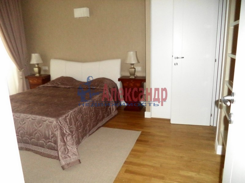 3-комнатная квартира (100м2) в аренду по адресу Крюкова канала наб., 10— фото 4 из 8