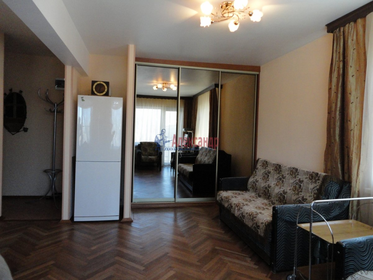 1-комнатная квартира (35м2) в аренду по адресу Думская ул., 5— фото 1 из 2