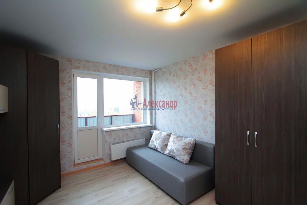 3-комнатная квартира (83м2) в аренду по адресу Культуры пр., 15— фото 1 из 2