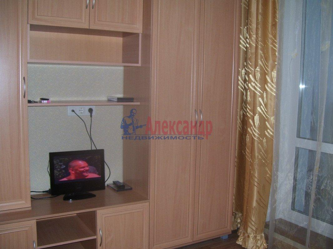 1-комнатная квартира (35м2) в аренду по адресу Маршала Блюхера пр., 21— фото 7 из 10