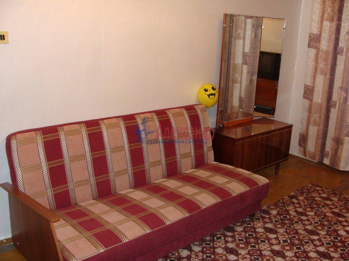 1-комнатная квартира (35м2) в аренду по адресу Коммуны ул., 61— фото 2 из 2