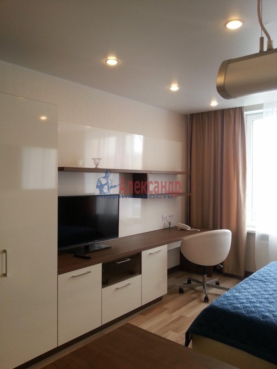 1-комнатная квартира (40м2) в аренду по адресу Обуховской Обороны пр., 138— фото 2 из 10