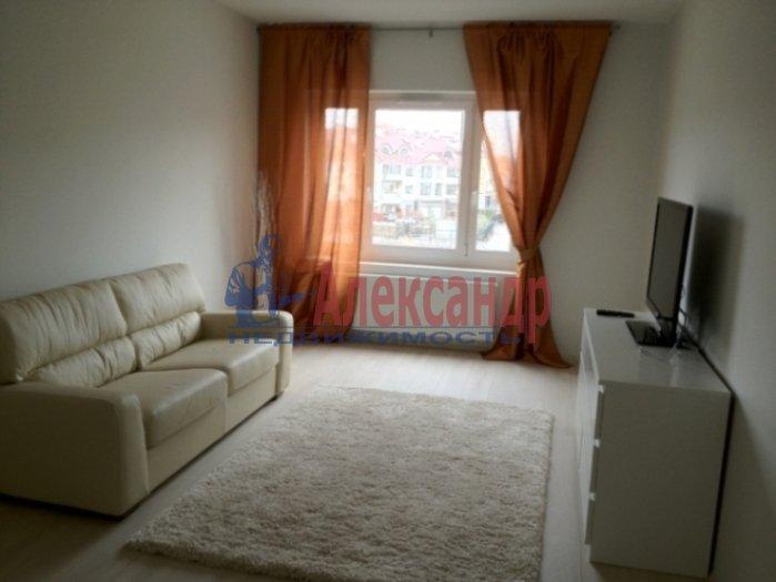 2-комнатная квартира (69м2) в аренду по адресу Есенина ул., 1— фото 1 из 11