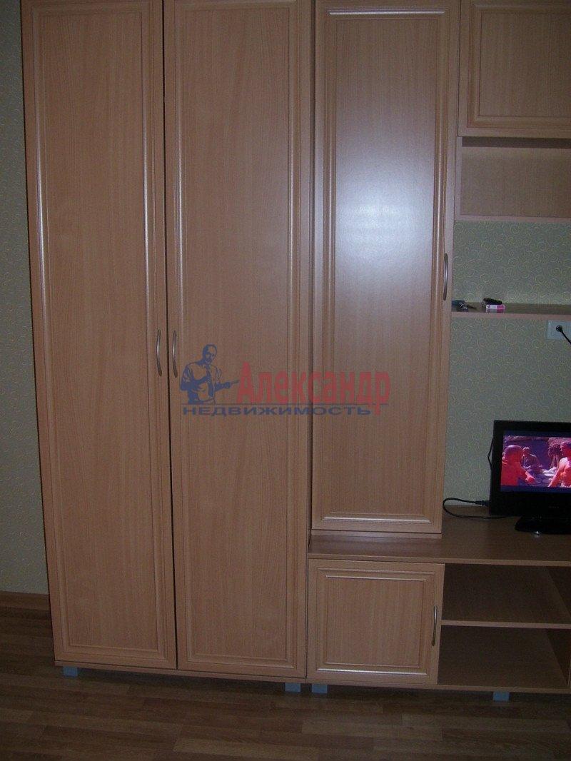 1-комнатная квартира (35м2) в аренду по адресу Маршала Блюхера пр., 21— фото 8 из 10