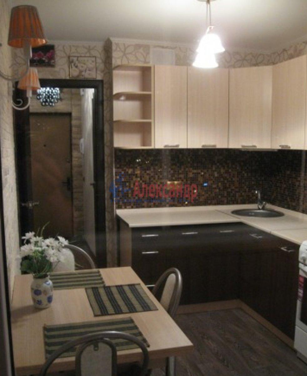 1-комнатная квартира (35м2) в аренду по адресу Русановская ул., 17— фото 1 из 5