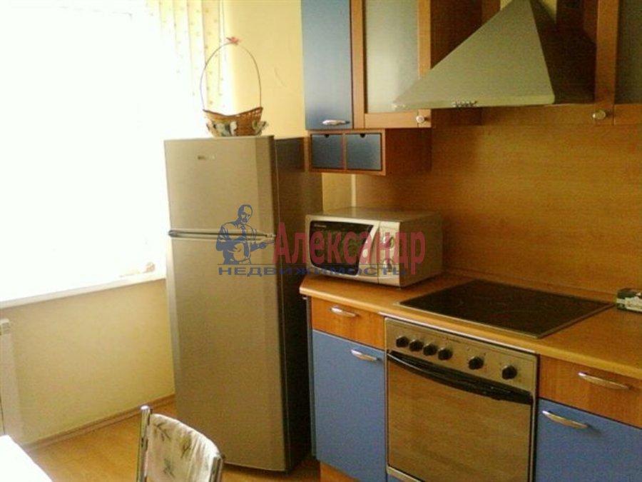 1-комнатная квартира (35м2) в аренду по адресу Пограничника Гарькавого ул.— фото 1 из 4
