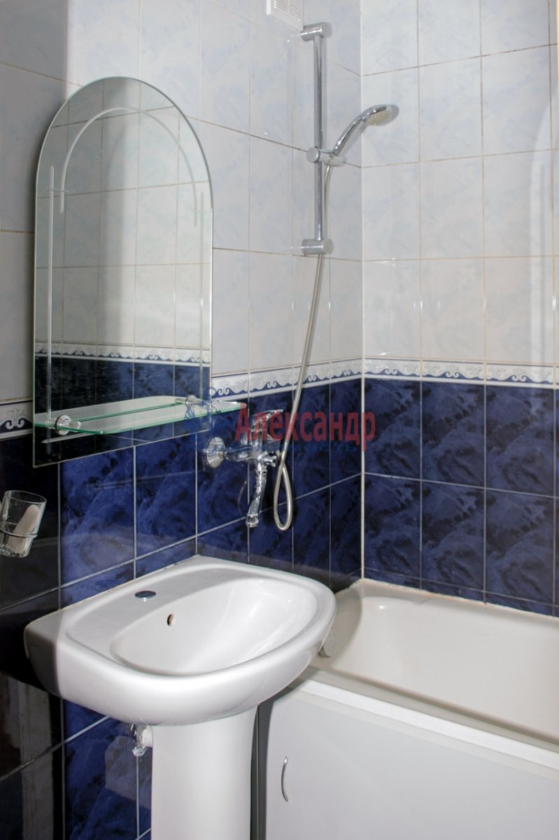 1-комнатная квартира (40м2) в аренду по адресу Оборонная ул., 22— фото 7 из 7