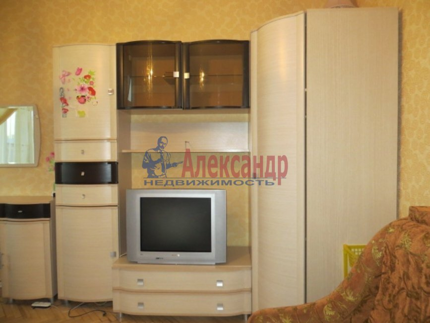 2-комнатная квартира (58м2) в аренду по адресу Ленская ул., 6— фото 1 из 1