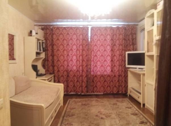 1-комнатная квартира (32м2) в аренду по адресу Бухарестская ул., 39— фото 1 из 2