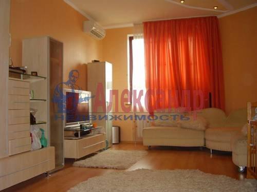 2-комнатная квартира (58м2) в аренду по адресу Коломяжский пр., 28— фото 1 из 4