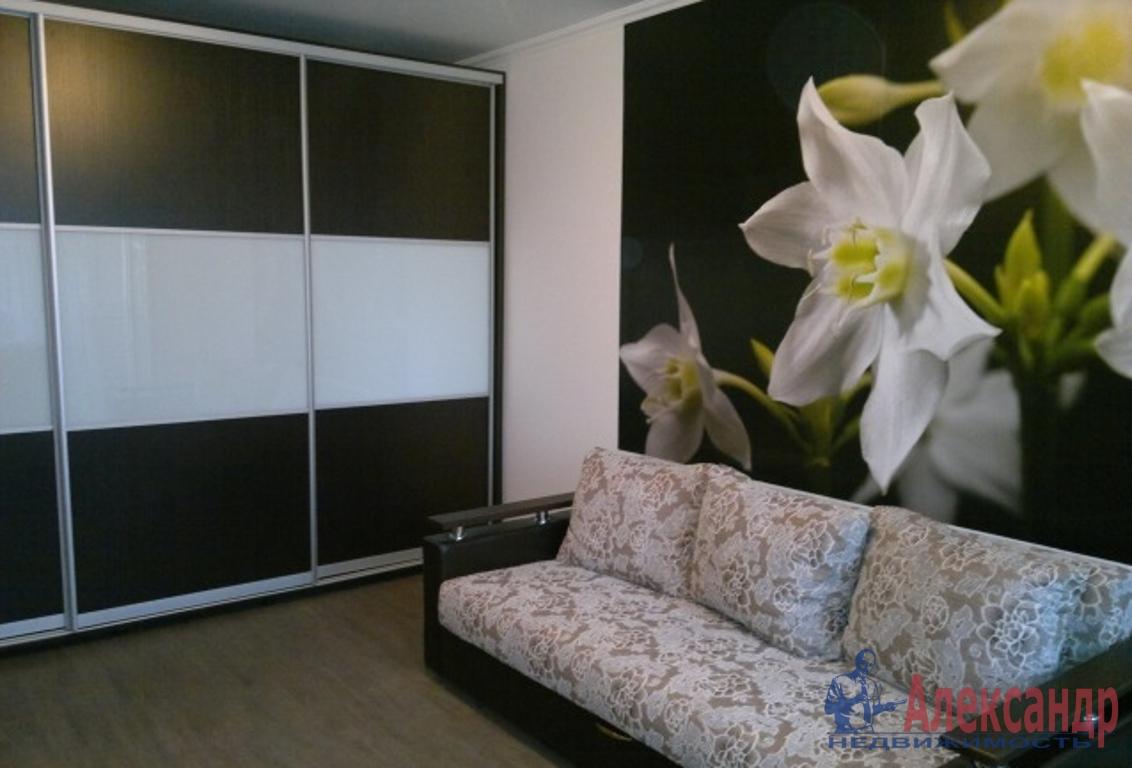 1-комнатная квартира (40м2) в аренду по адресу Русановская ул., 9— фото 1 из 2