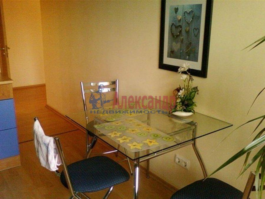 1-комнатная квартира (35м2) в аренду по адресу Пограничника Гарькавого ул.— фото 2 из 4