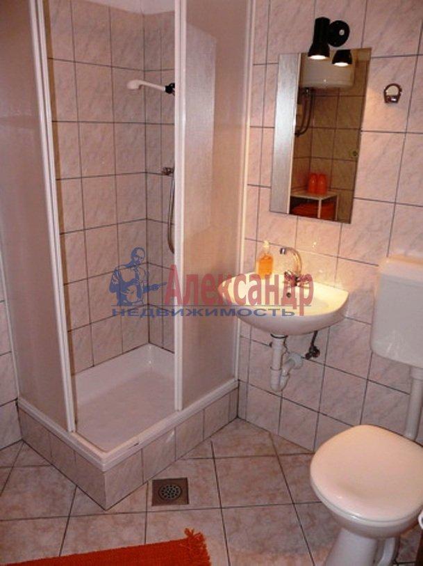 2-комнатная квартира (71м2) в аренду по адресу Стасовой ул., 4— фото 3 из 4