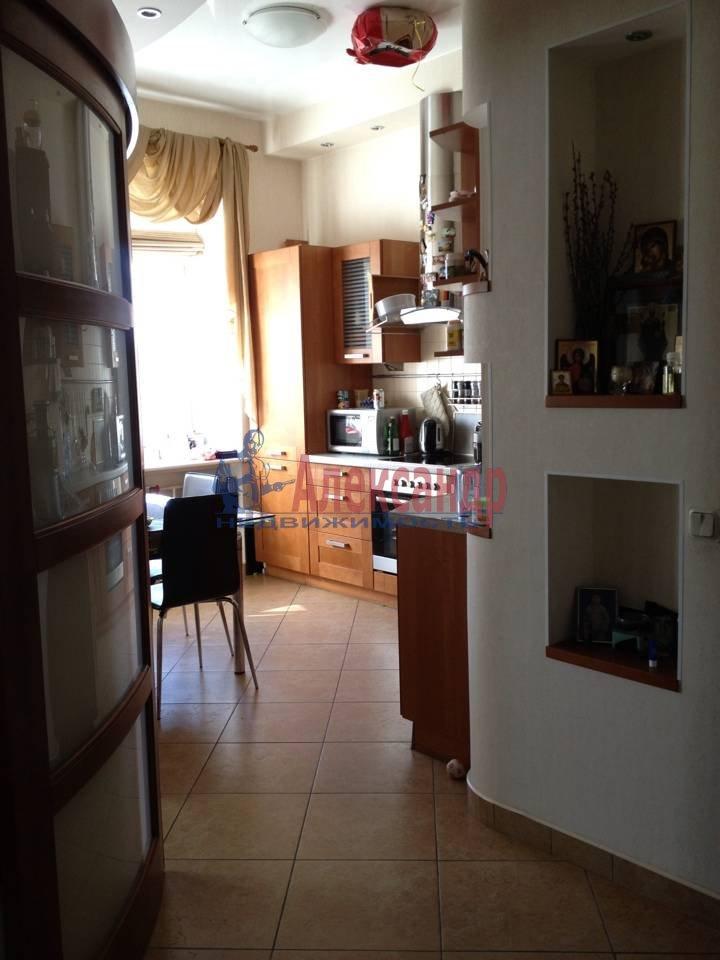 2-комнатная квартира (51м2) в аренду по адресу Васи Алексеева ул., 14— фото 3 из 9