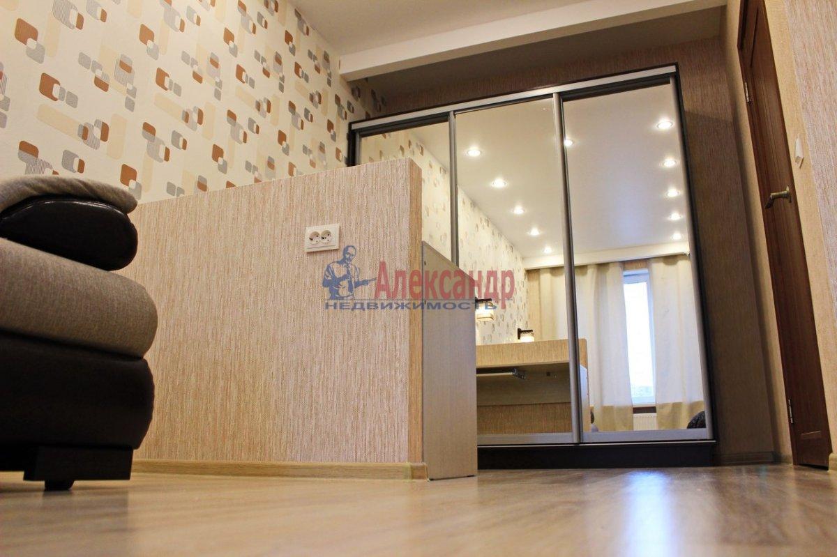 1-комнатная квартира (38м2) в аренду по адресу Космонавтов просп., 37— фото 4 из 9