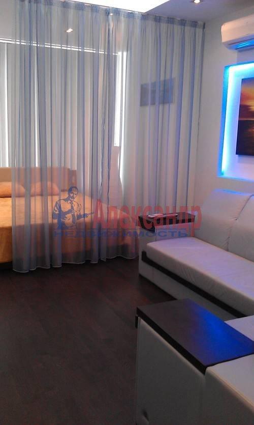 1-комнатная квартира (60м2) в аренду по адресу Коломяжский пр., 15— фото 13 из 19