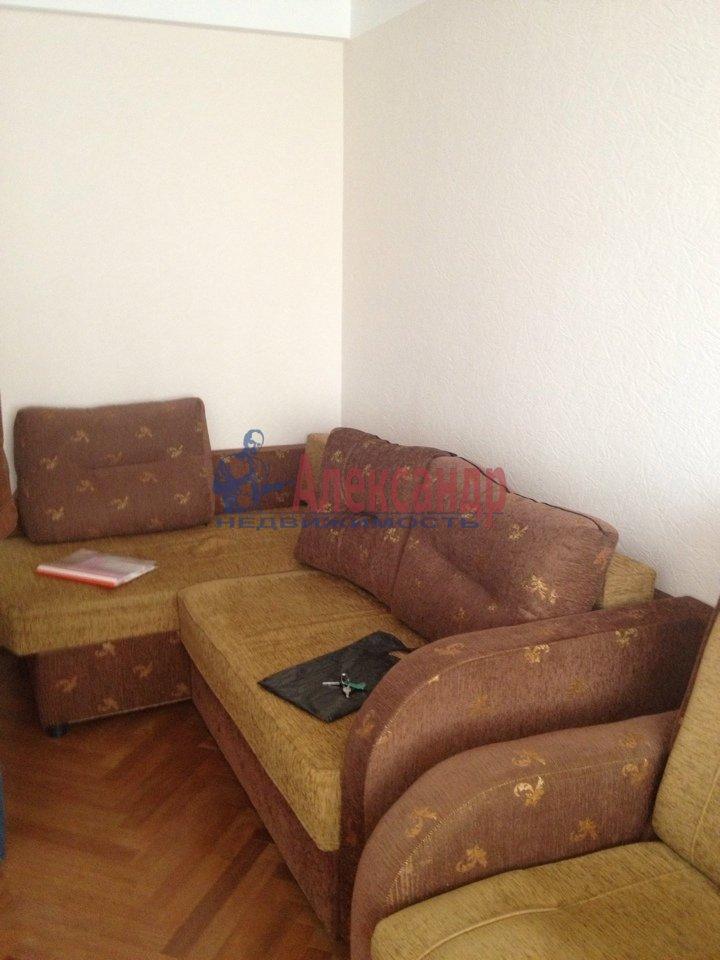 1-комнатная квартира (32м2) в аренду по адресу Карпинского ул., 31— фото 2 из 3