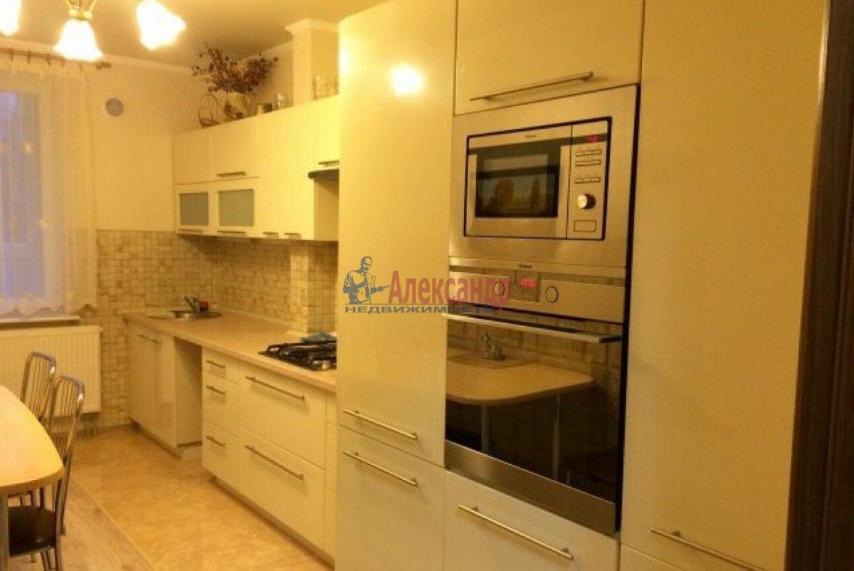 1-комнатная квартира (40м2) в аренду по адресу Славы пр., 52— фото 1 из 6