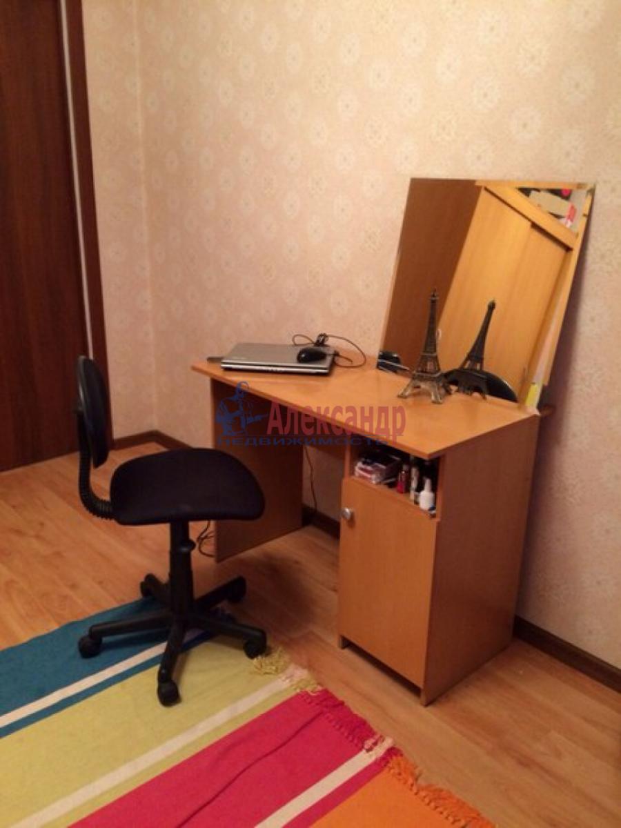 Комната в 3-комнатной квартире (70м2) в аренду по адресу Камышовая ул., 48— фото 3 из 5