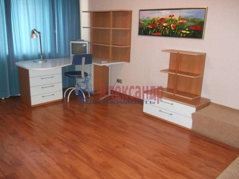 3-комнатная квартира (100м2) в аренду по адресу Космонавтов просп., 61— фото 6 из 9
