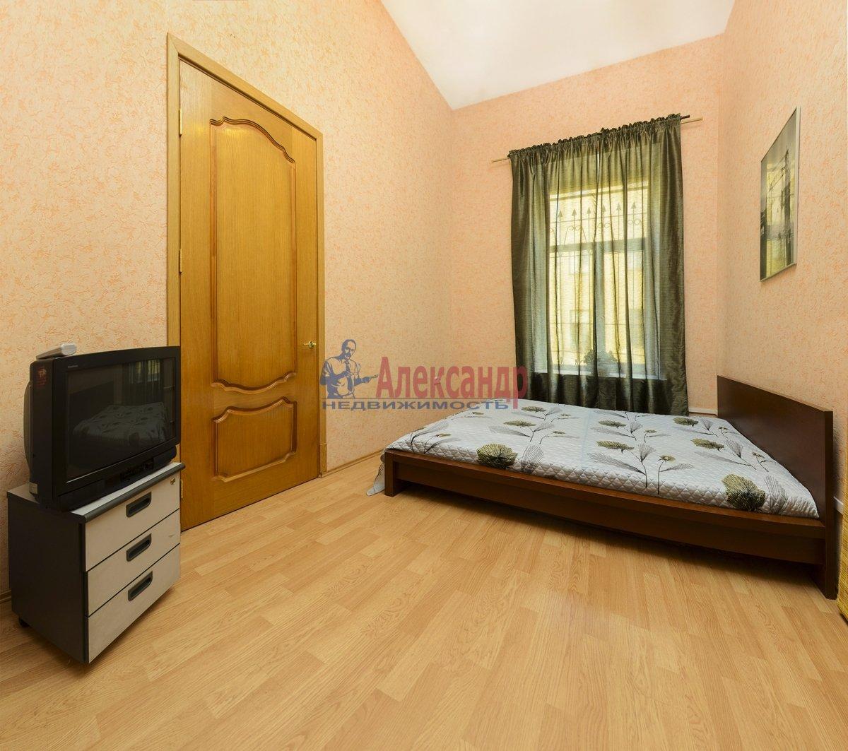 3-комнатная квартира (100м2) в аренду по адресу Малая Конюшенная ул., 10— фото 2 из 10