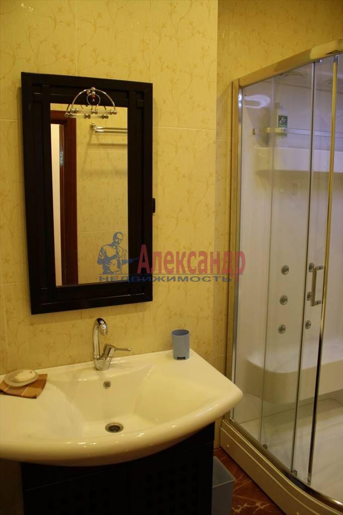 2-комнатная квартира (60м2) в аренду по адресу Мытнинская наб., 7/5— фото 8 из 10